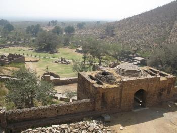 要塞 バーンガル